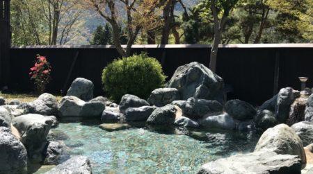 山梨でキャンプ場と温泉をまとめて楽しむなら、いずみの湯【西湖】
